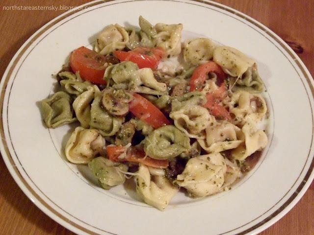 pesto mushroom tomato tortellini