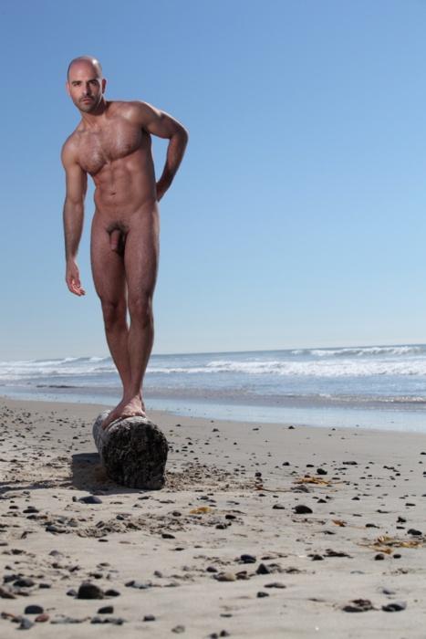 Hombres Desnudos Por La Playa - Porno