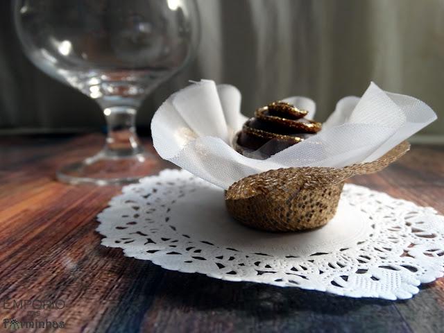 Forminhas de tela escócia e voal para doces
