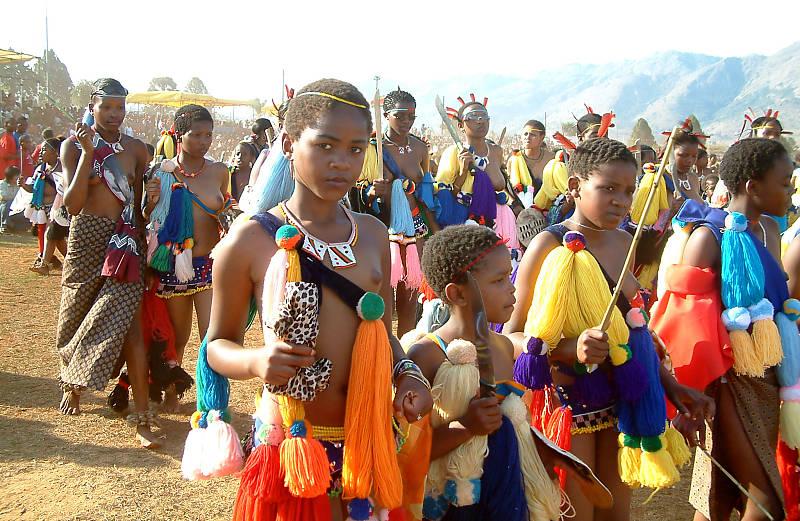 Phong tục kiểm tra trinh tiết độc đáo ở đảo Zulu