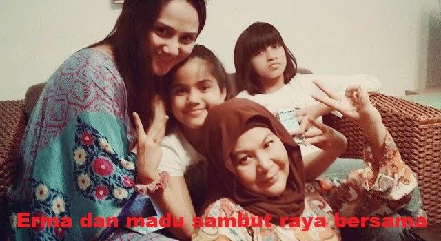 Erma Fatima dan Madu nya Aida Abdul sambut raya bersama 2 Gambar