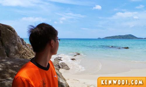 patong beach pose