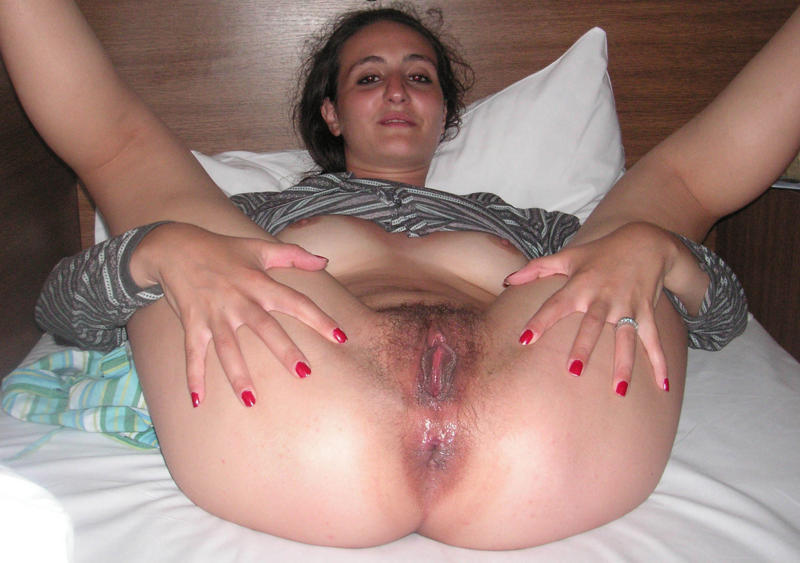 Indian mature wife spread nude
