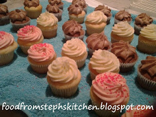 Cupcakes with vanilla, strawberry and chocolate butter icing