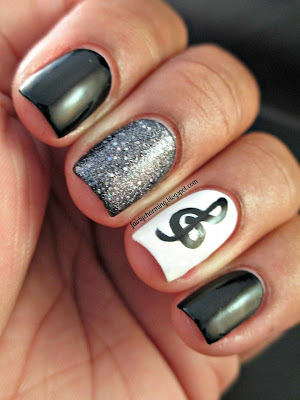 Music, musical, treble clef, black, white, glitter, Sally Hansen Glitz Girl, nails, nail art, nail design, mani