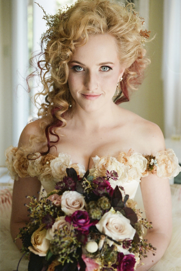 Bailey s brides what is a steampunk wedding for Victorian steampunk decor