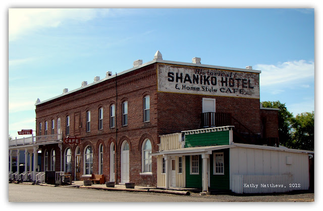 A Of Weeks Ago Cary And I Stopped At The Quaint Little Ghost Town Shaniko Oregon Is Located On Hwy 97 About 30 Miles North Madras