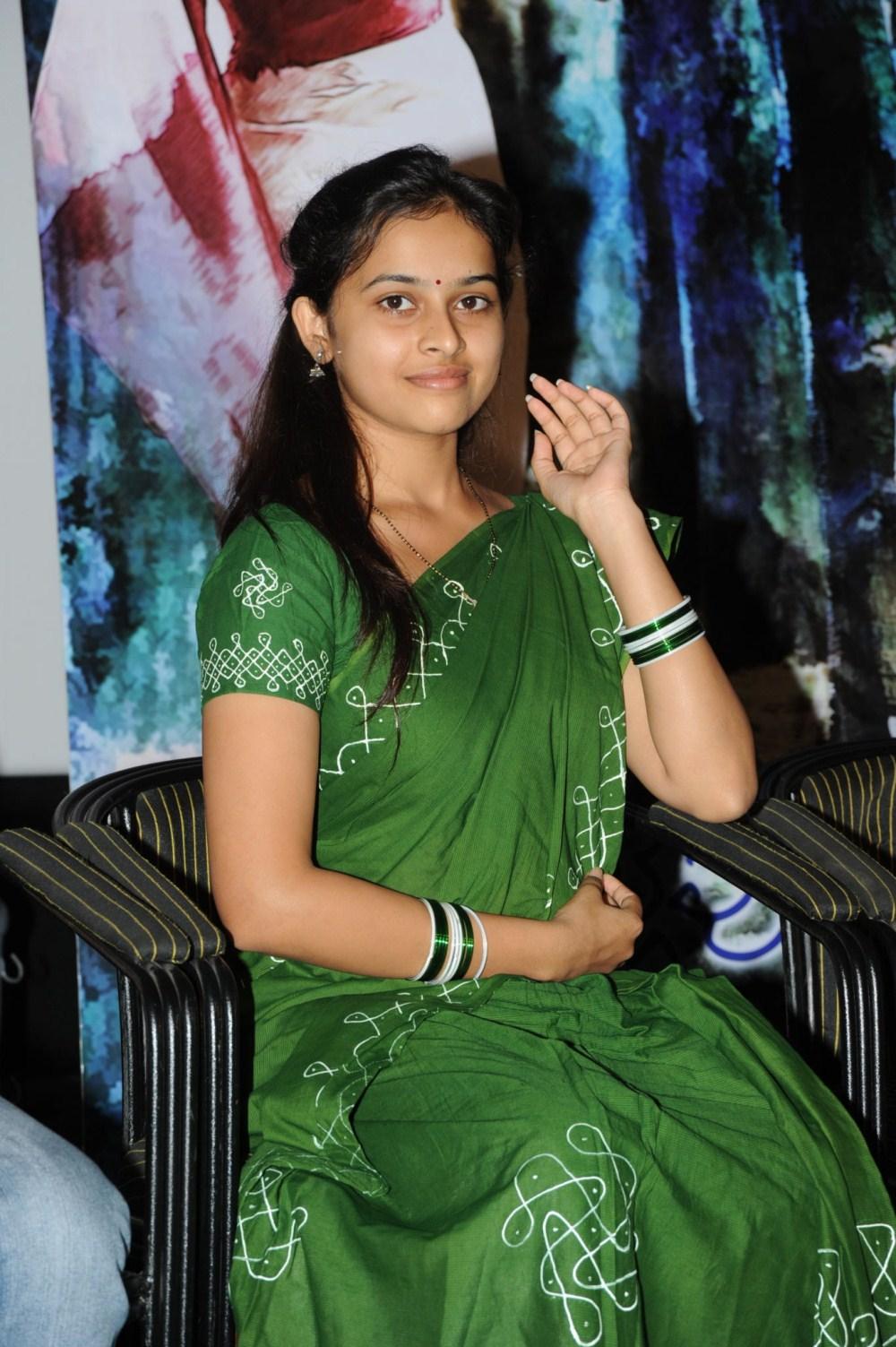 Sree Divya Saree Photos 13 Geetha Hot Images