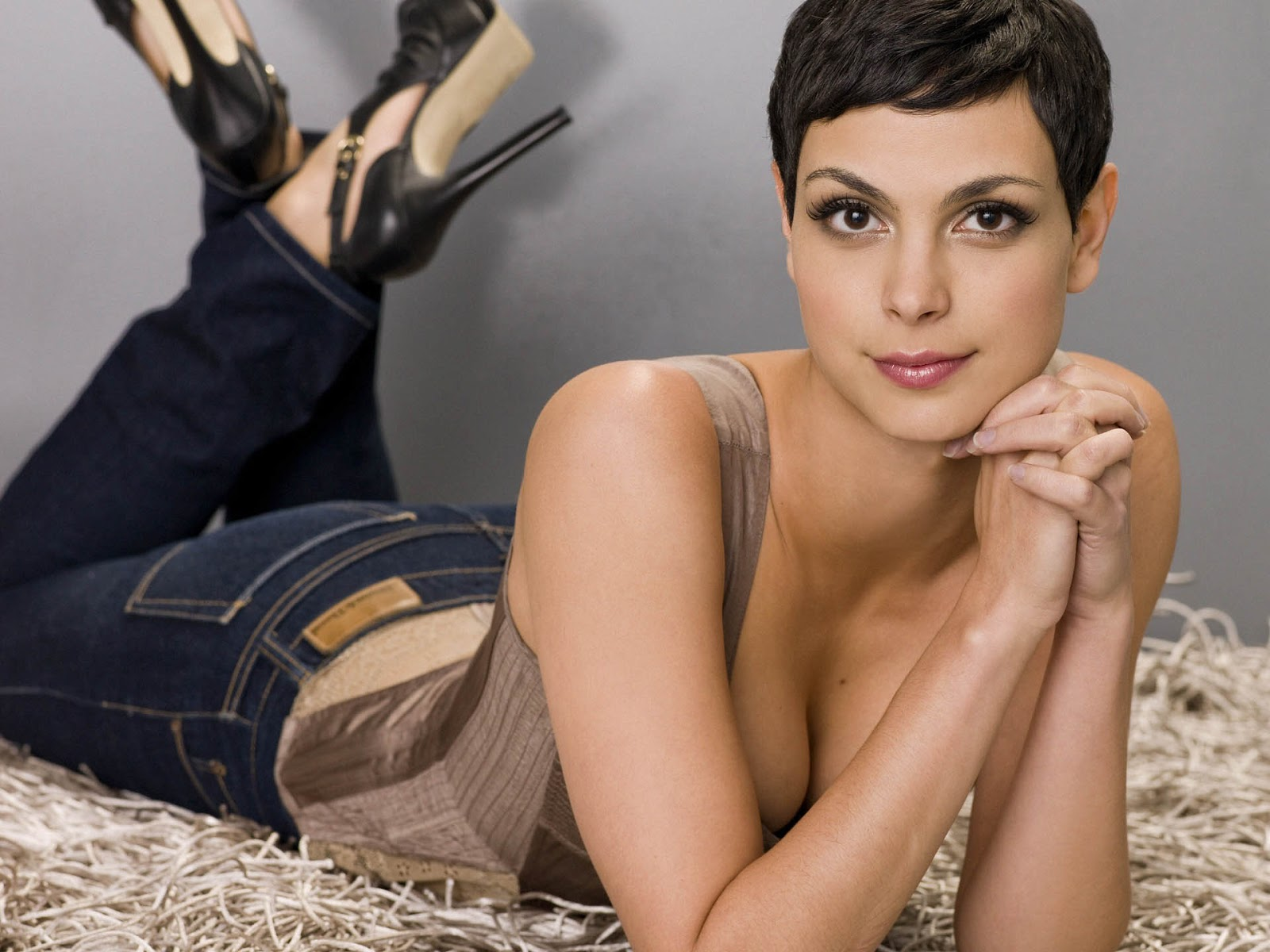 image Brazillian bombshell and bbc soccer player