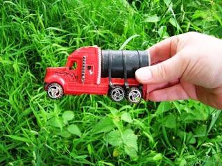 Geocaching - truck cache