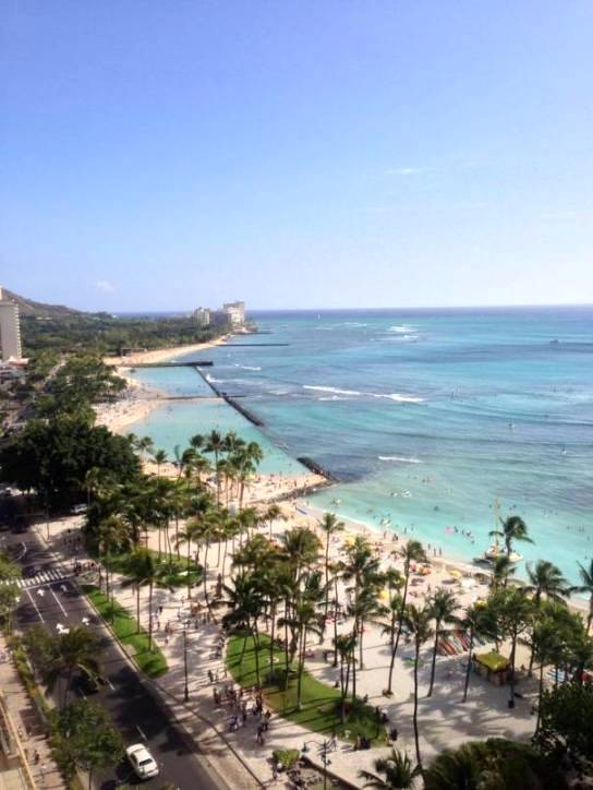 Waikiki beach hawaii best honeymoon destinations in usa for Best honeymoon resorts in usa