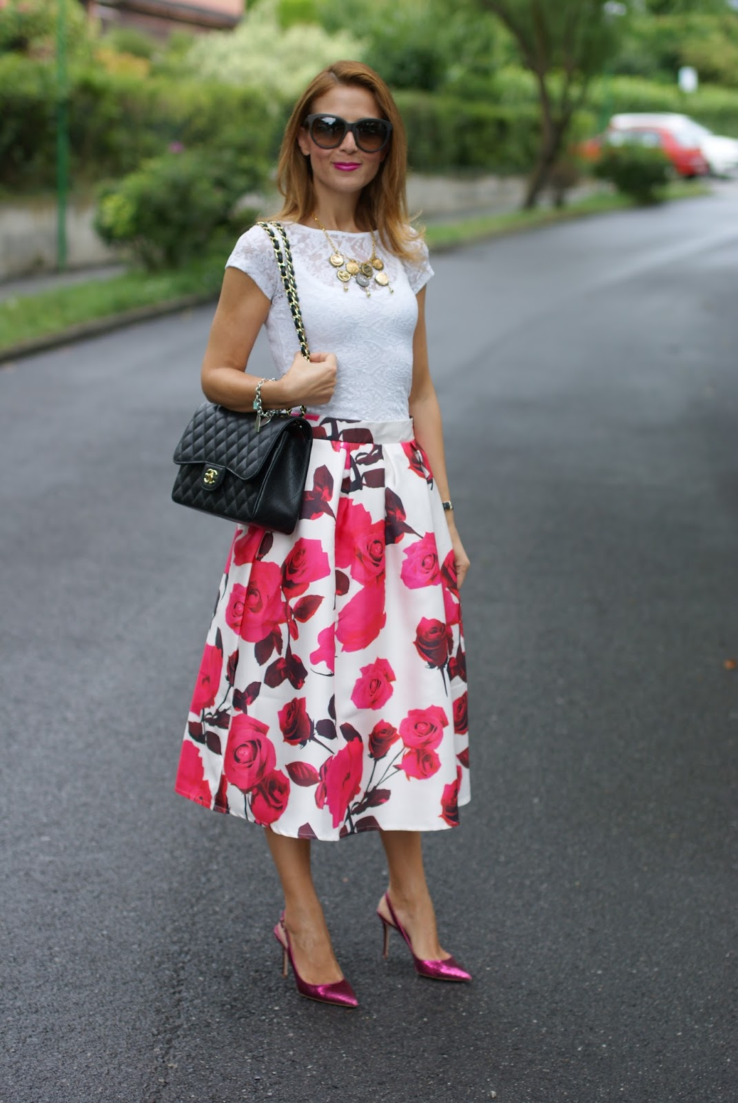 rose print midi skirt and Chanel 2.55 caviar bag on Fashion and Cookies fashion blogger from Italy