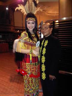 FOTO BIODATA VANIA LARISSA MISS INDONESIA 2013