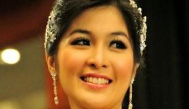 Seperti Apakah Arti Natal Bagi Sandra Dewi? Simak Beritanya Disini
