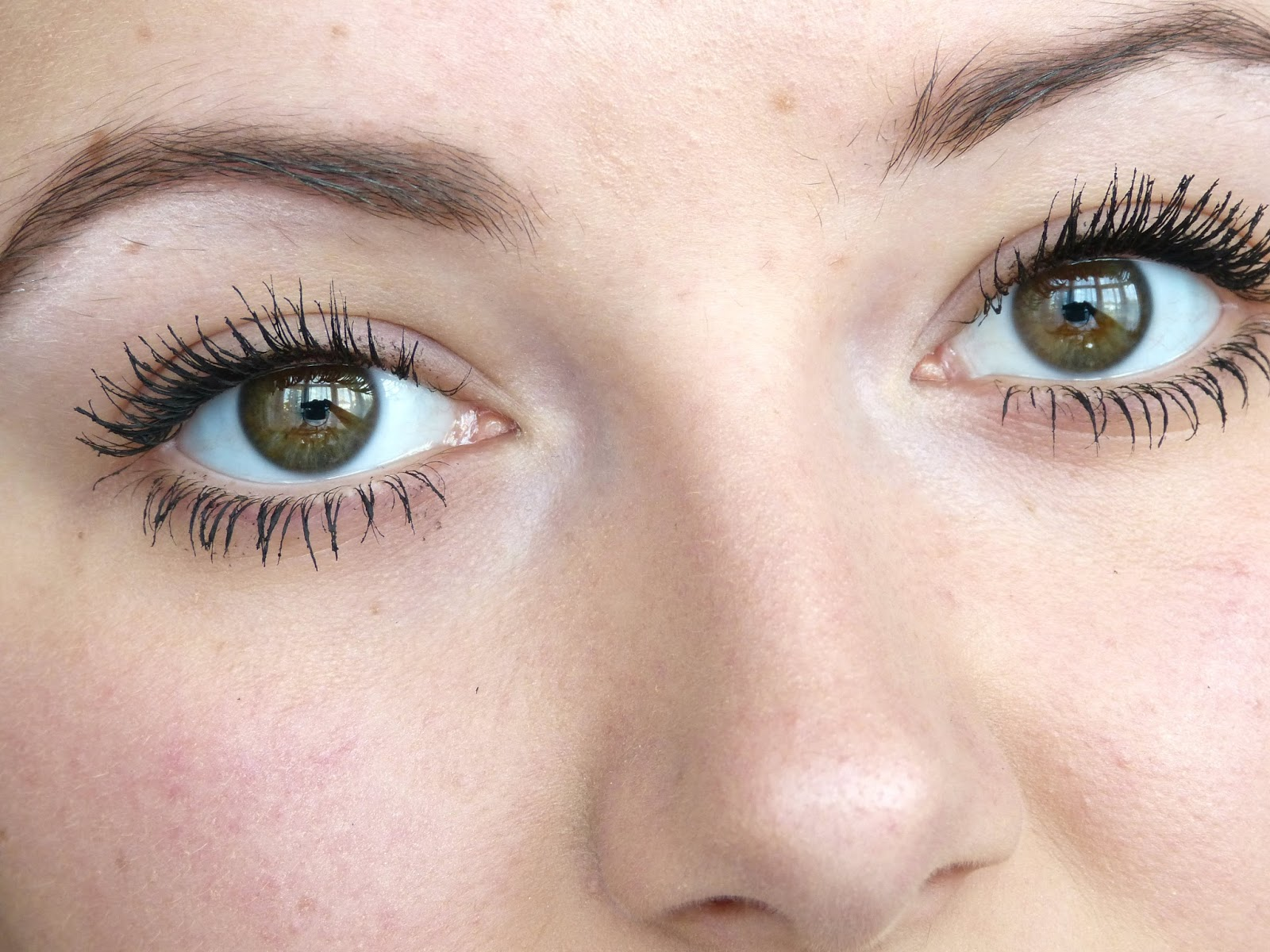 Bottom Lash Mascara Photo Album - Cerene