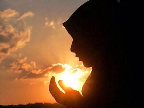 Siluet doa © Reuters