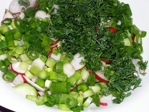 Салат из редиса с зеленью