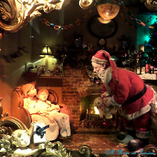 Fortnum & Mason Christmas Windows, A Mum in London