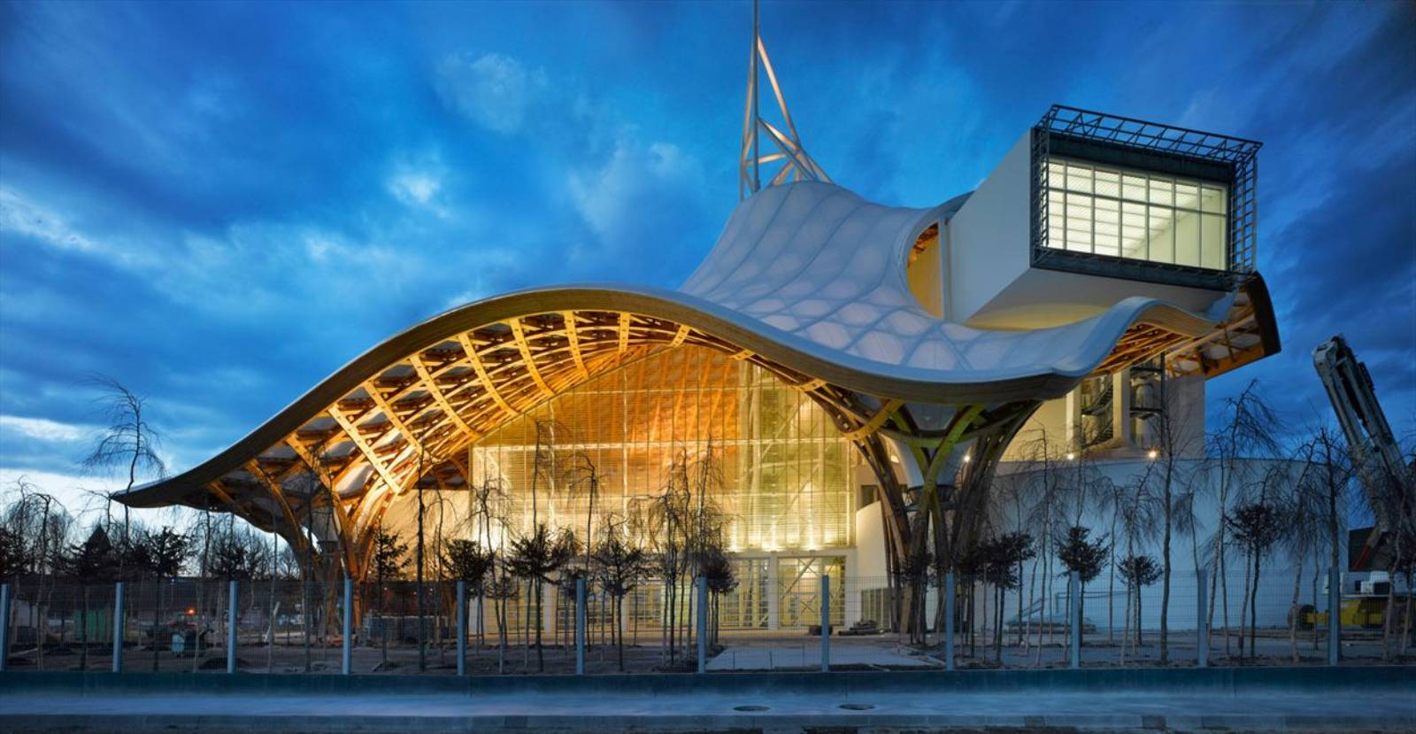 Centre pompidou metz by shigeru ban architects a as for Metz architects