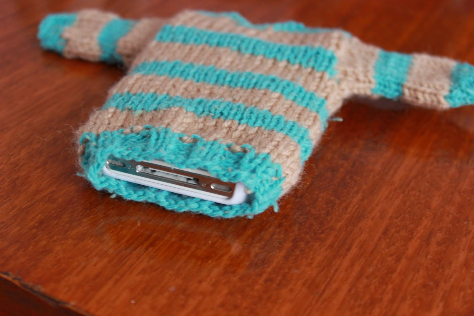 чехол для телефона, чехол для айфона, чехол для девайса, чехол для гаджета, чехлы заказать, чехол своими руками, хендмейд, свитер для телефона, свитер для игрушек.