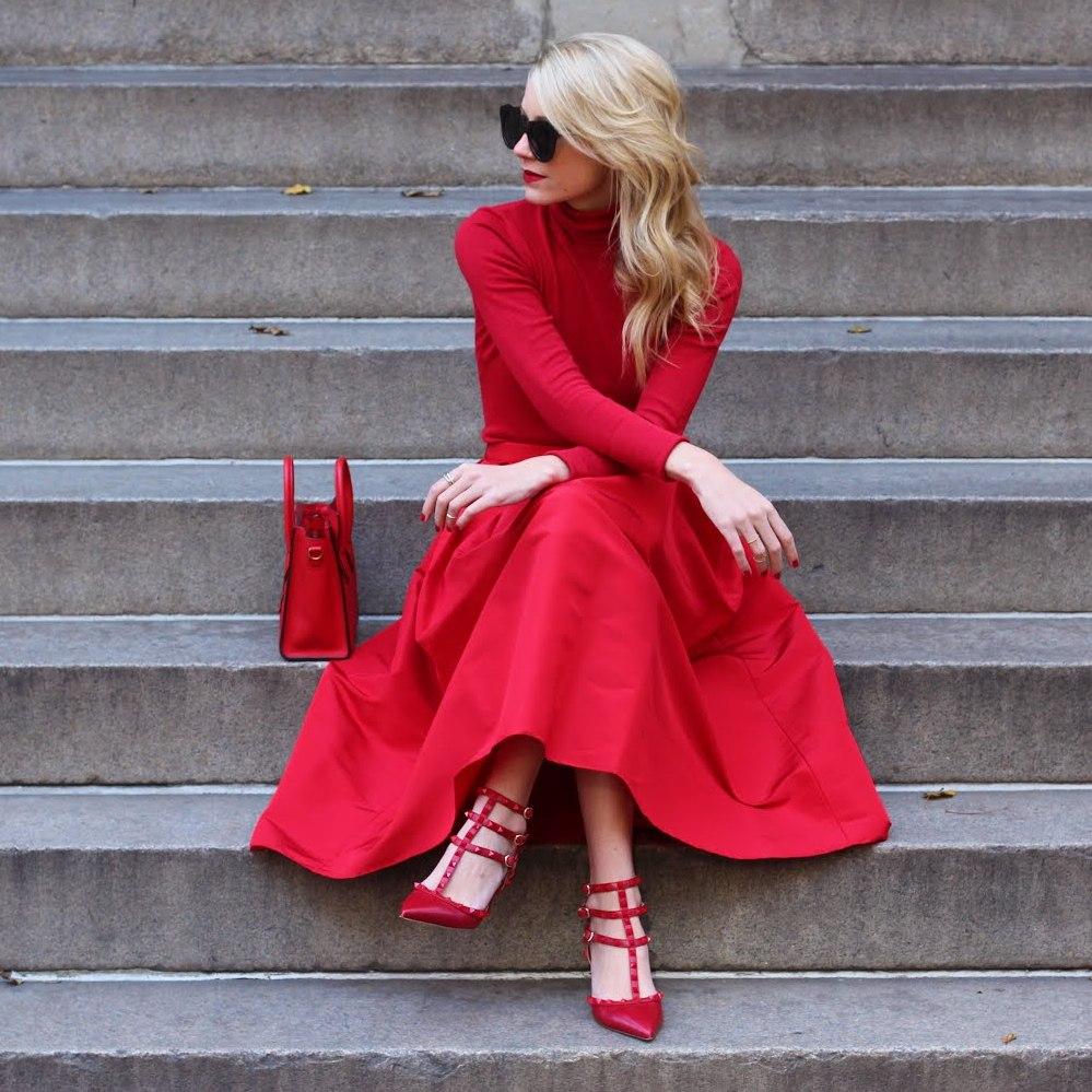 Фото девушек в красных юбках 5 фотография