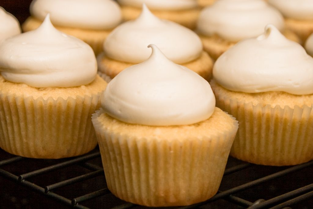Cupcake Recipes With Pictures : Coconut Cupcake Recipe ~ Easy Dessert Recipes