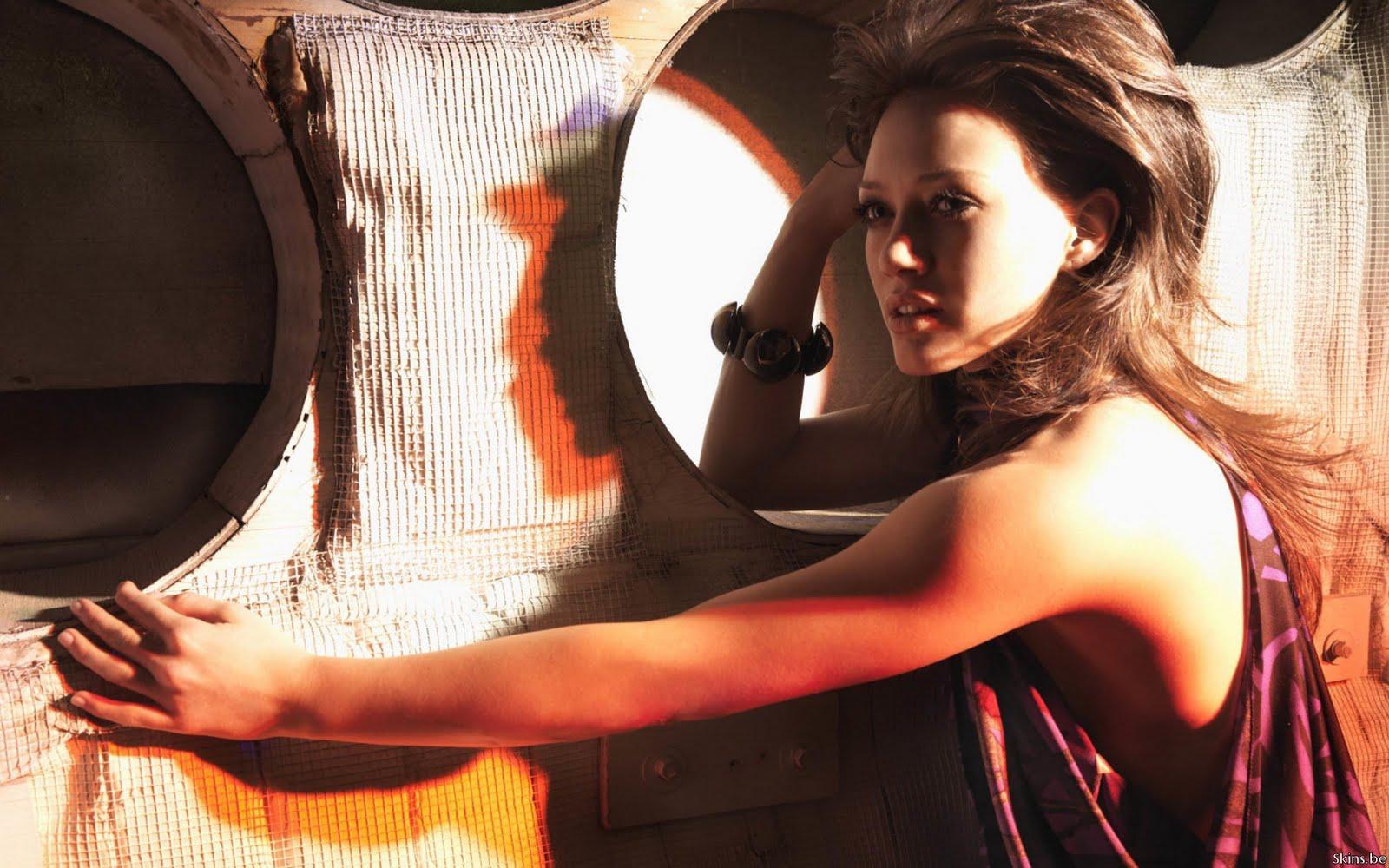 http://2.bp.blogspot.com/-HTcN8yzQxfo/Tdf8MDgCN4I/AAAAAAAAA4w/n-gxgiFAJ3M/s1600/Hilary+Duff+hd+wallpaper.jpg