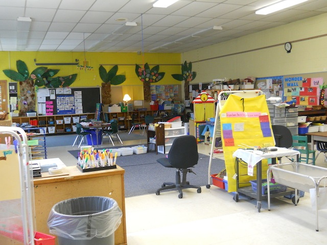 Reggio Classrooms http://room166transformation.blogspot.com/2012/09/our-classroom-environment-transformation.html