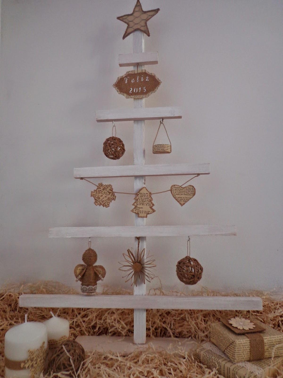 Madera cuerda arpillera feliz navidad entre anhelos y caprichos - Adornos navidenos de madera ...