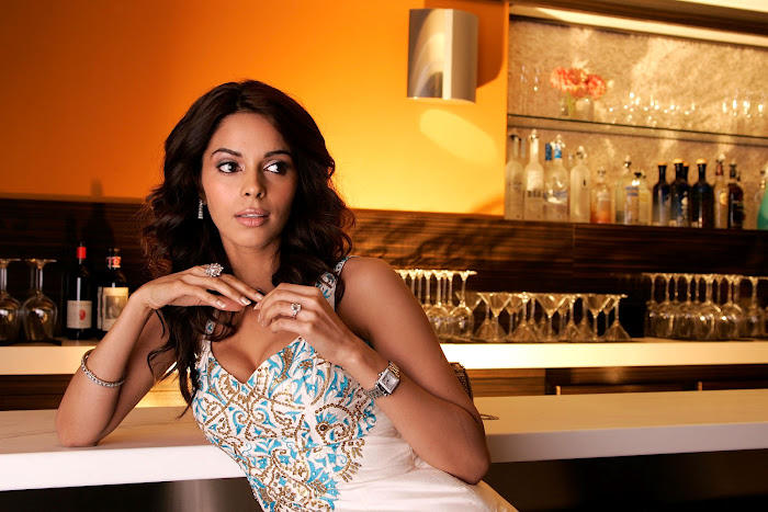 mallika sherawat very hot photoshoot