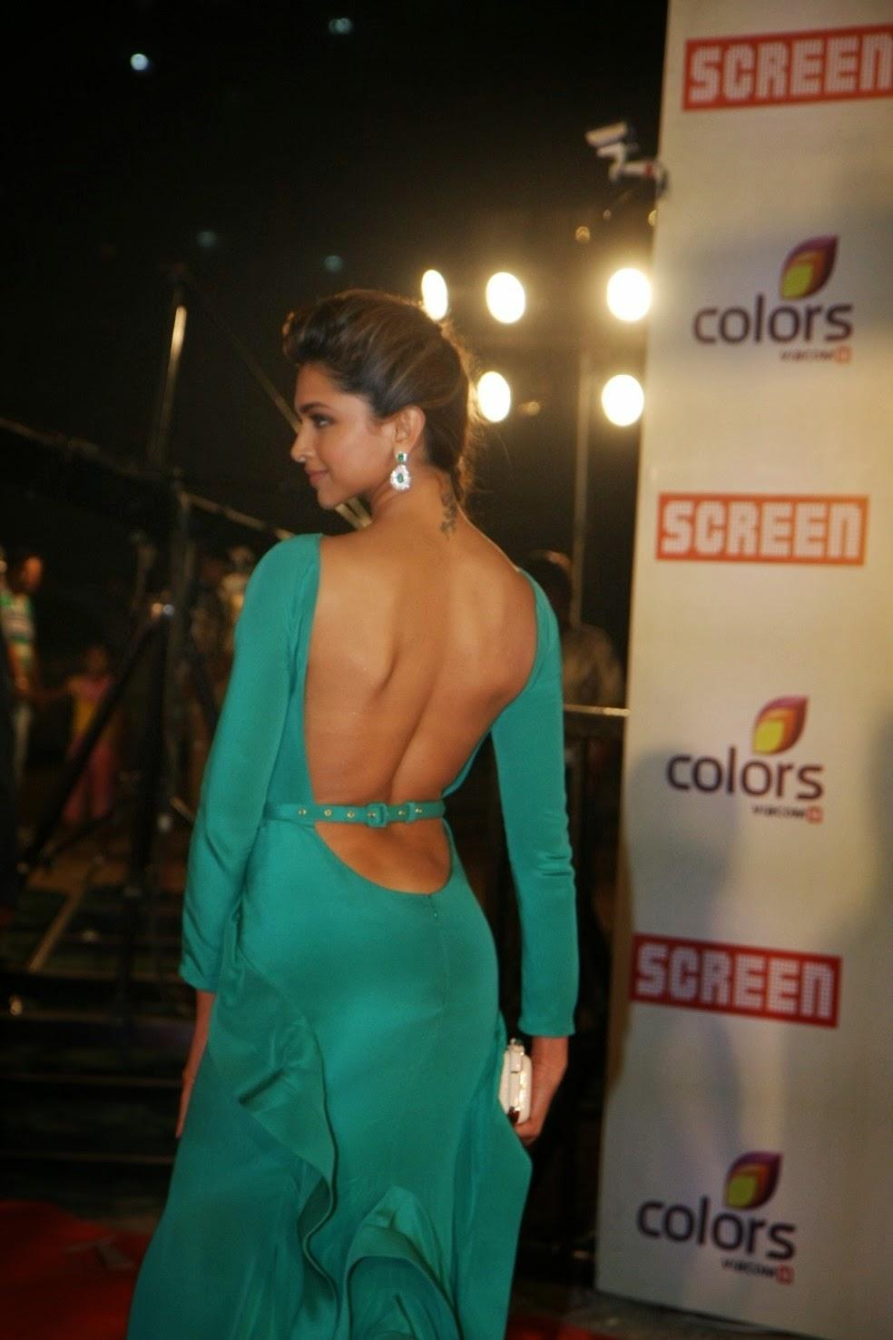 Deepika Padukone green ass