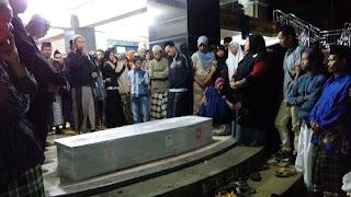 Kedatangan Jenasah TKI Korban Kapal Karam Di Malaysia Disambut Tangis Histeris Keluarga