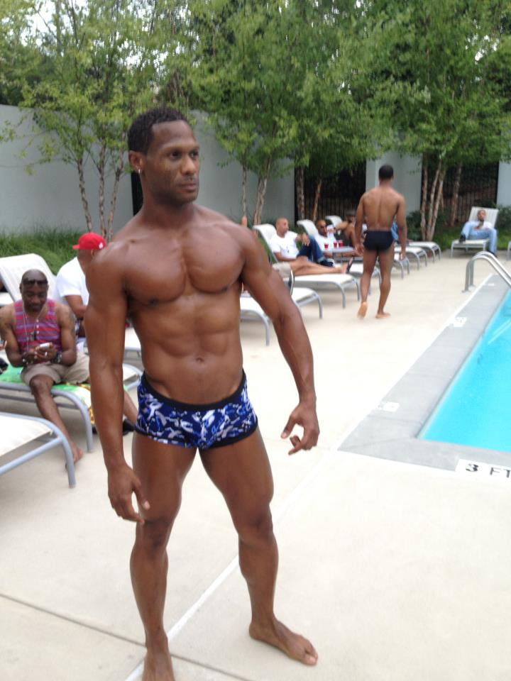 House of chapple bikini show and pool party good men for Pool guy show