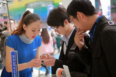 Samsung Mulai Jual Gear 2 dan Gear 2 Neo di 125 Negara