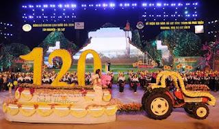 Diễu hành Carnaval hoa Đà Lạt