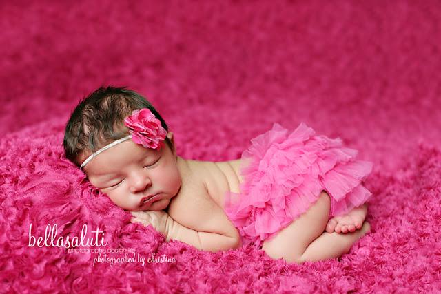 Photographe bébé fille en rose