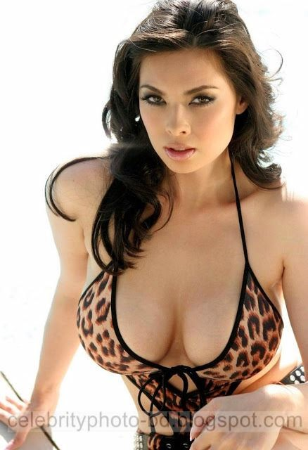Actress%2BBoobs%2Bor%2BBomb's%2BLatest%2BPhotos%2BCollection001