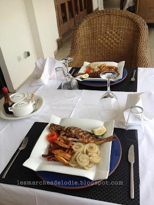 Maison d'Hôtes - Villa Des Fées - Douala - Déjeuner - Les Marches d'Elodie