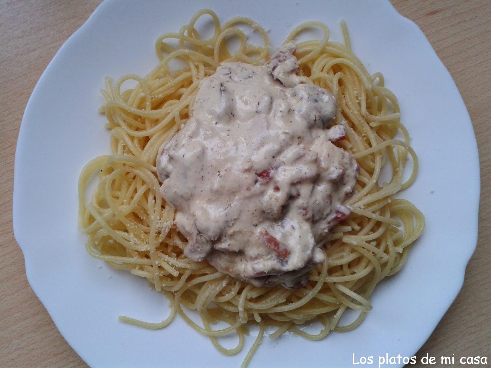 Los platos de mi casa espaguetis con champi ones y bacon for Cocinar champinones laminados