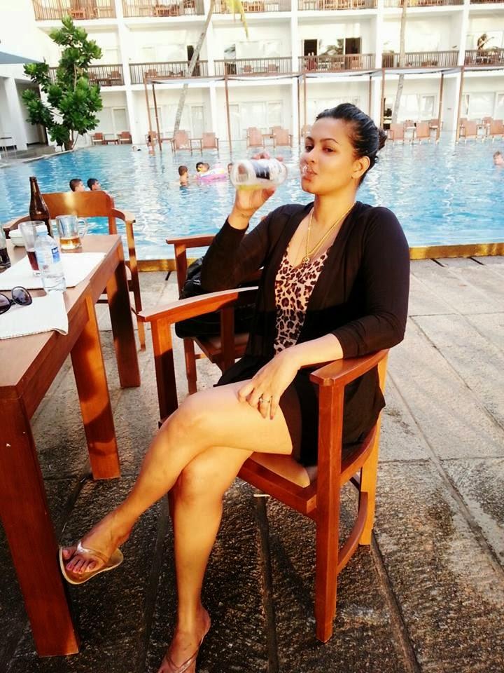 Piumi Purasinghe milky thighs