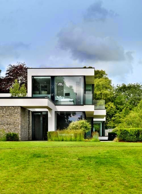 Modern family house design by gregory phillips architects for Family home design