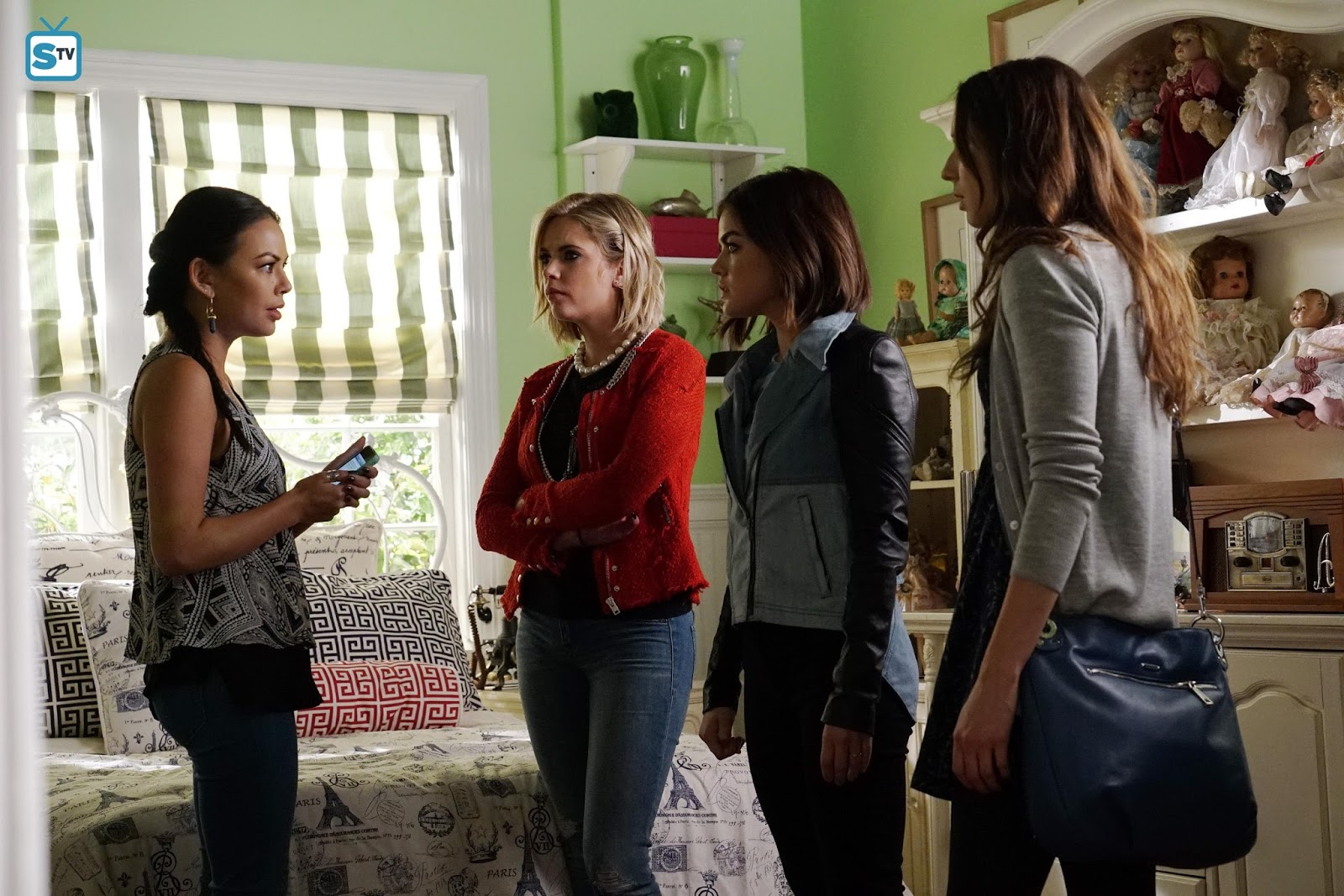 Pretty little liars quot recap 6 01 escape from the dollhouse page 7 - Pretty Little Liars Last Dance Review Pretty Little Middle Aged Liars