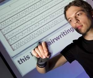 Adeus teclados: escreva a mão livre no ar