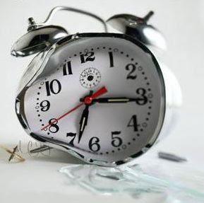 relógio partido