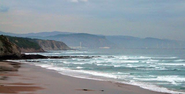la playa de sopela en baja mar