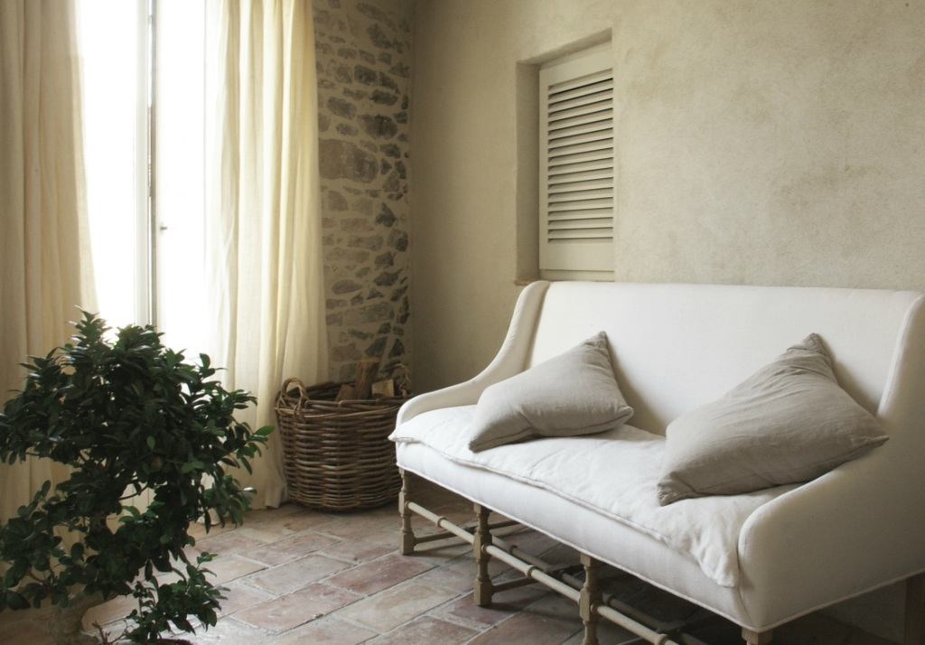 vt interiors library of inspirational images dreaming of provence. Black Bedroom Furniture Sets. Home Design Ideas