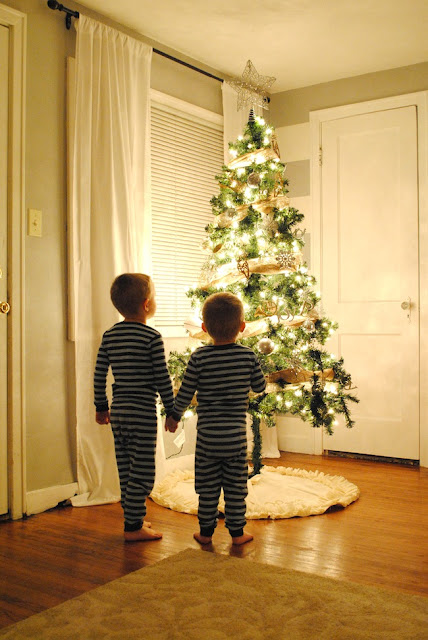 Boys+with+Christmas+Tree_1_SMaLL.jpg
