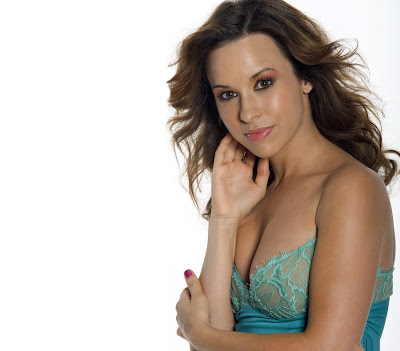 Lacey Chabert Hollywood actress Hot Hd Wallpapers 2013