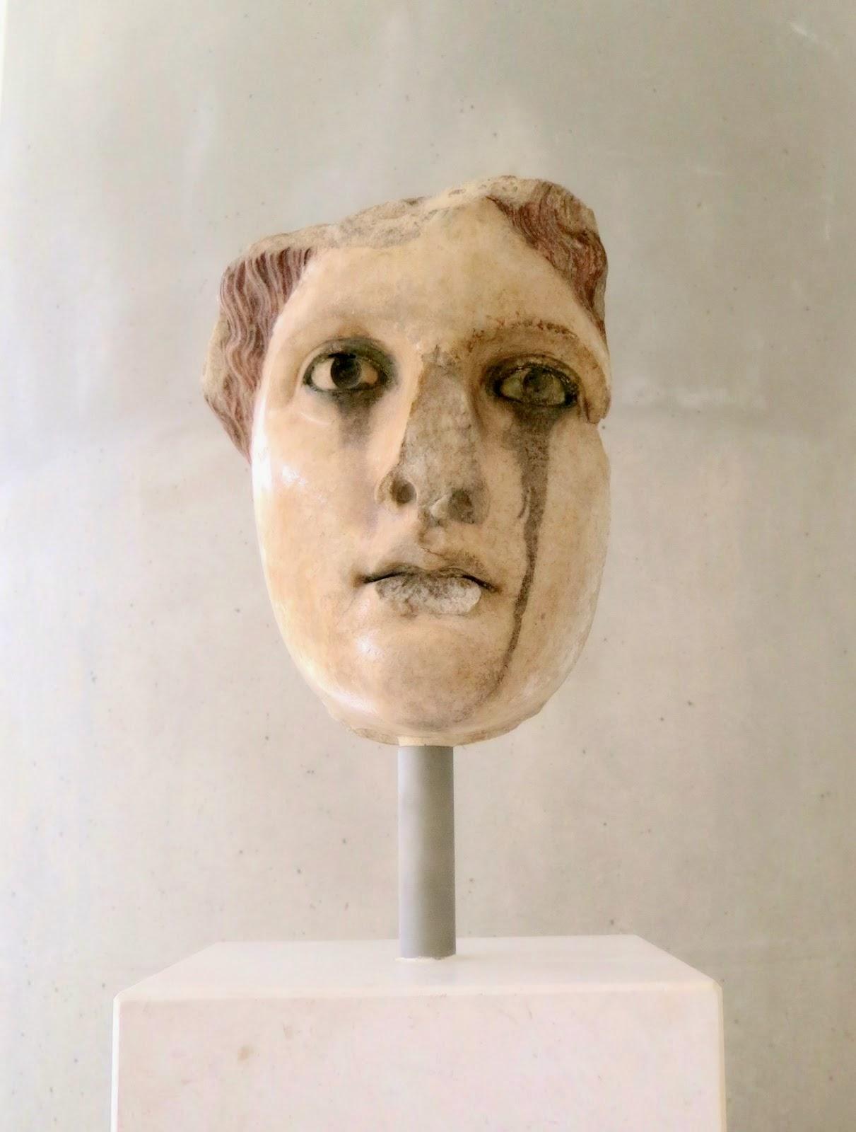 A godess, perhaps Aphrodite