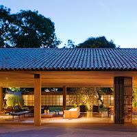 Rumah Tropis Gaya Etnik 11